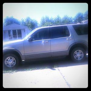 02 Ford explorer